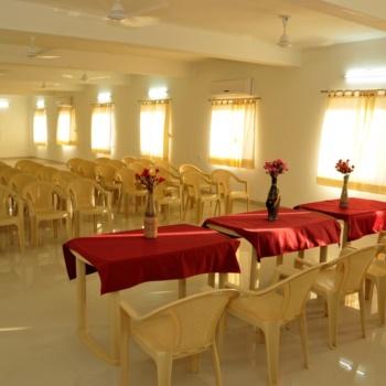 Hall (4)